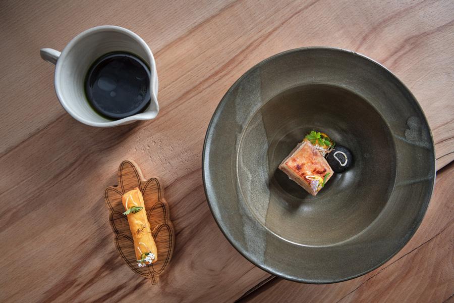 Ähre Teller Andi Widmann Restaurant Ursprung, Interview Food Fellas Magazine