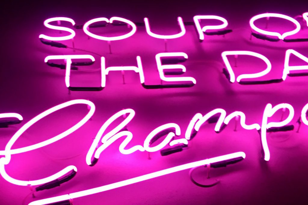 Soup of the day Champagner Alexander Herrmann Imperial Schriftzug / Food Fellas